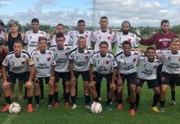 Em quarentena, Marcelinho Paraíba reúne amigos e participa de pelada em Campina Grande