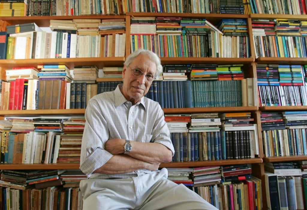 roza12.165401 1024x701 - Morre o escritor e psicanalista Luiz Alfredo Garcia-Roza aos 84 anos