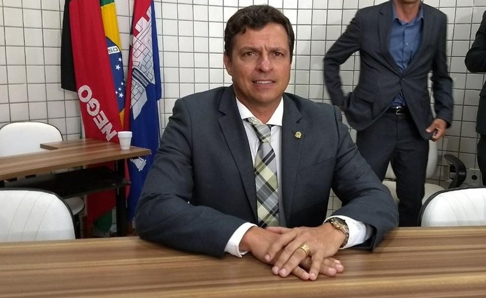 victor hugo - MP recomenda que comércio de Cabedelo permaneça fechado