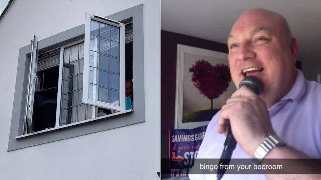 xblog bingo.jpg.pagespeed.ic .PuWJUSmY3u - Da janela de quarto, homem comanda bingo para vizinhos durante a quarentena