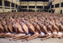 Detentos de penitenciária são amontados em pátio após série de mortes em prisões