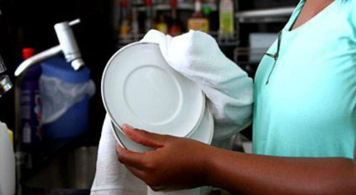4cace4daa3 empregada domestica - Empregada doméstica fica trancada por 8 meses, sem folga e sob ameaças da patroa
