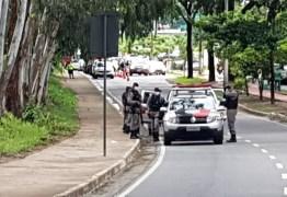 MEDIDAS DE SEGURANÇA: Ruas de João Pessoa começam a ser bloqueadas devido ao avanço da Covid-19 – VEJA VÍDEO
