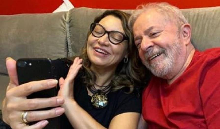 Capturar 57 - Ex-presidente Lula e a noiva surpreendem em live de cantora - VEJA VÍDEO