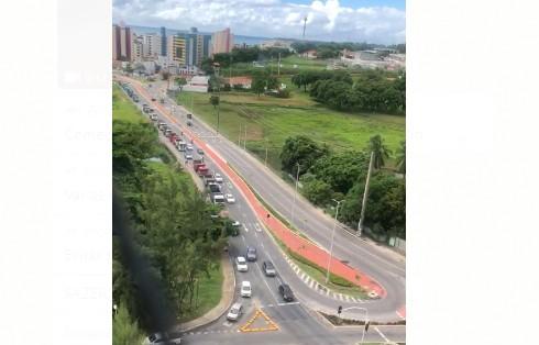 Capturar 69 - BUZINAÇO EM JP: Manifestantes da Construção Civil pedem retorno às atividades - VEJA VÍDEO