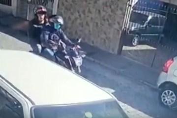 Homem reage a assalto e é baleado na frente do filho