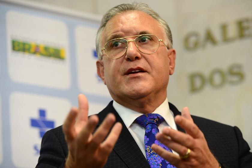 FRP Secretario Alberto Beltrame fala sobre microcefalia 13012016001 - EMPILHANDO CORPOS: Estados e municípios rejeitam 'diretrizes' do Ministério da Saúde sobre quarentena