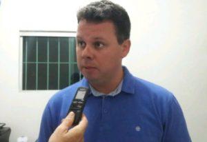 Prefeito Kleber Fernandes Junco do Seridó 300x206 - Justiça derruba decisão da Câmara Municipal e devolve mandato ao prefeito de Junco do Seridó