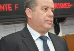 Vereador de João Pessoa gera economia de mais de R$ 2 milhões aos cofres públicos, após renunciar salário