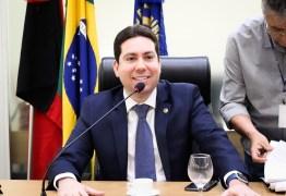 Projeto de Felipe Leitão obriga Estado e municípios a divulgarem dados da Covid-19 em tempo real