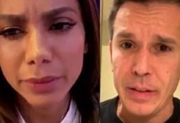 Anitta bate boca com deputado sobre direitos autorais em live; VEJA VÍDEO