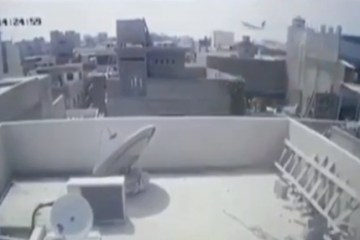 avião - Câmera registra queda de avião que matou cerca de 100 pessoas no Paquistão - VEJA VÍDEO
