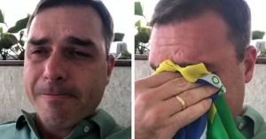 e542225f f13e 4639 a41a 7671eb109370 300x157 - Flávio Bolsonaro repassou R$ 500 mil do fundo público partidário a advogado investigado no caso Queiroz