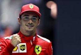 Piloto da Ferrari, Charles Leclerc esqueceu namorada fora de casa enquanto jogava videogame – VEJA VÍDEO
