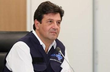"""henrique mandetta 2 418x235 1 - """"Quem muito se expõe, tem muita chance de contrair"""", diz Mandetta sobre teste positivo de Bolsonaro para Covid-19"""