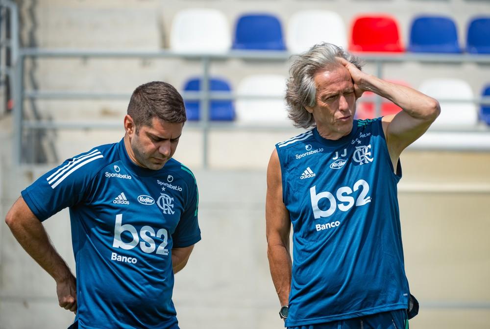 jorge jesus e tannure - 3 jogadores do Flamengo testam positivo para coronavírus