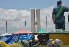Ministério Público classifica acampamento bolsonarista como milícia e aciona Justiça