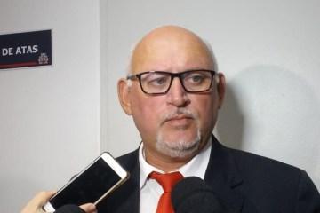 Marcos Henriques cobra gratificação para todos os profissionais da saúde