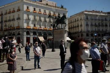naom 5ece7536caa90 - Espanha inicia luto oficial em memória de 27.117 mortos