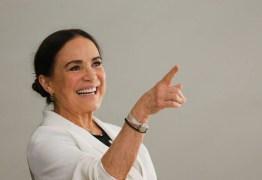 Antes de ver Bolsonaro, Regina Duarte publica áudio sobre homem 'traído' – OUÇA