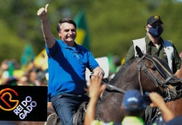 Bolsonaro desfila a cavalo em Brasília e internautas não perdoam: Rei do Gado