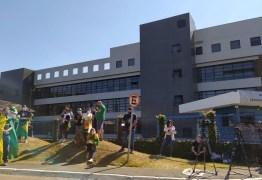 Apoiadores de Moro e Bolsonaro entram em confronto em Curitiba; VEJA VÍDEO