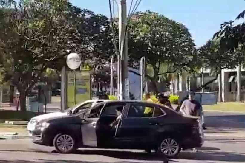 20200614173536560183o - Polícia prende manifestante que atirou fogos em direção ao STF; VEJA VÍDEO