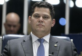 Davi Alcolumbre devolve ao governo MP que autoriza Weintraub a nomear reitores