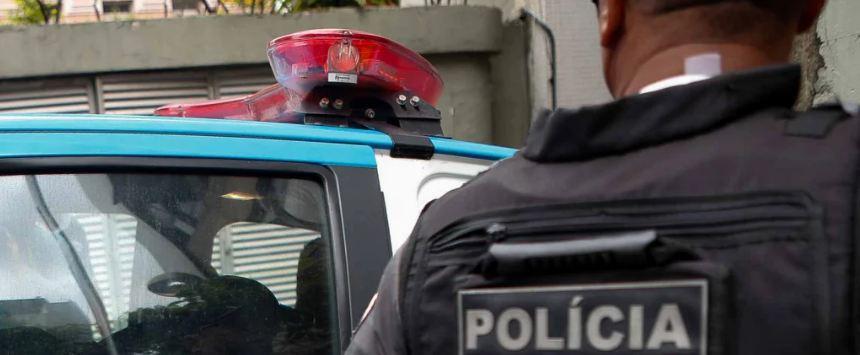 Capturar 46 - Policial civil negro é abordado e agredido por PM enquanto levava suspeitos