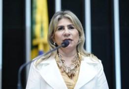Edna Henrique apresenta projeto para revogação de portaria anti-cotas do MEC