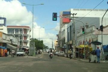 Município de Sousa1 - Comércio de Sousa, PB, reabre após prefeitura determinar flexibilização nas medidas restritivas