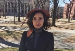 Brasileira aprovada em Harvard incentiva outros jovens em um perfil na internet