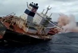 Navio Stellar Banner é afundado após 3 meses encalhado na costa do Maranhão