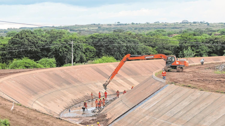 Transposic o - APÓS 12 ANOS DE OBRAS: águas do Rio São Francisco chegam nesta sexta ao Ceará