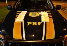 PRF prende motorista de aplicativo que estava transportando mais de 4 kg de cocaína na Paraíba