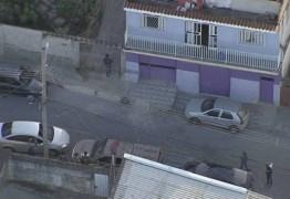 NA MIRA: Mulher e parentes de Flávio Queiroz são alvos de operação da polícia