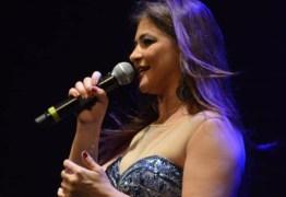 Cantora Kátia Cilene faz live de São João nesta quinta-feira