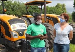 Agricultura Familiar: Prefeitura de Conde entrega novo trator para atender agricultores locais