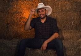 Mano Walter abre temporada de 'lives juninas' do isolamento: 'Povo não vai ficar sem São João'
