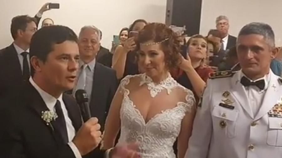 """moro discursa em casamento de carla zambelli 1587459080326 v2 900x506 - Moro diz que aceitou ser padrinho de Carla Zambelli por """"constrangimento"""""""