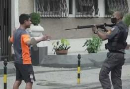 PM que apontou fuzil para manifestante no Rio será punido