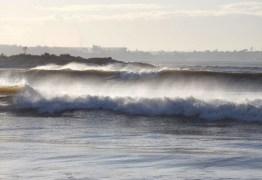 Marinha emite novo aviso de vento forte e mar com ondas de até 4 metros de altura, no Litoral da PB