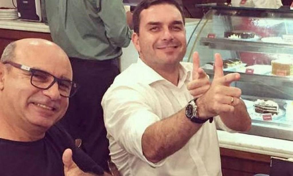 queiroz bolsonaro.jpg 1024x615 - 'A verdade prevalecerá', diz Flávio Bolsonaro sobre prisão de Queiroz