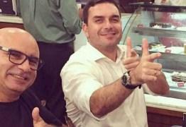 'A verdade prevalecerá', diz Flávio Bolsonaro sobre prisão de Queiroz