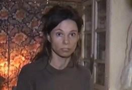 Mulher é mantida presa em casa por 26 anos pela mãe para 'protegê-la do mundo'