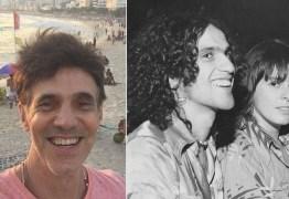"""""""Fizemos um amor lindo"""": Ator revela que fez sexo a três com Caetano Veloso e ex-mulher do cantor"""