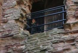 Foto de 'fantasma' em castelo mal-assombrado intriga especialistas; CONFIRA