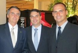Moraes envia a PGR notícia-crime contra Bolsonaro e filhos após ação do Facebook