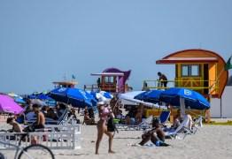 Casos triplicam na Flórida em junho, e pandemia sai de controle