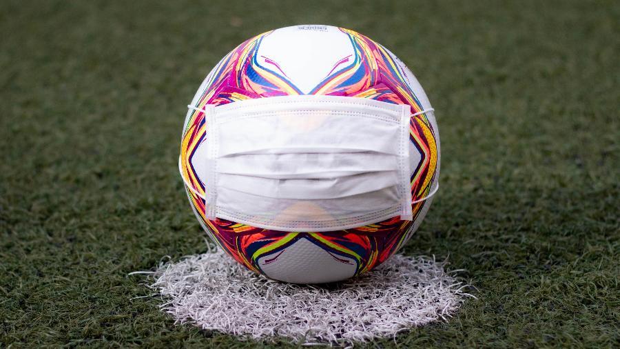 futebol covid 19 coronavirus pandemia bola 1588546154037 v2 900x506 - Jogador do Fluminense é diagnosticado com Covid-19 e será desfalque na final